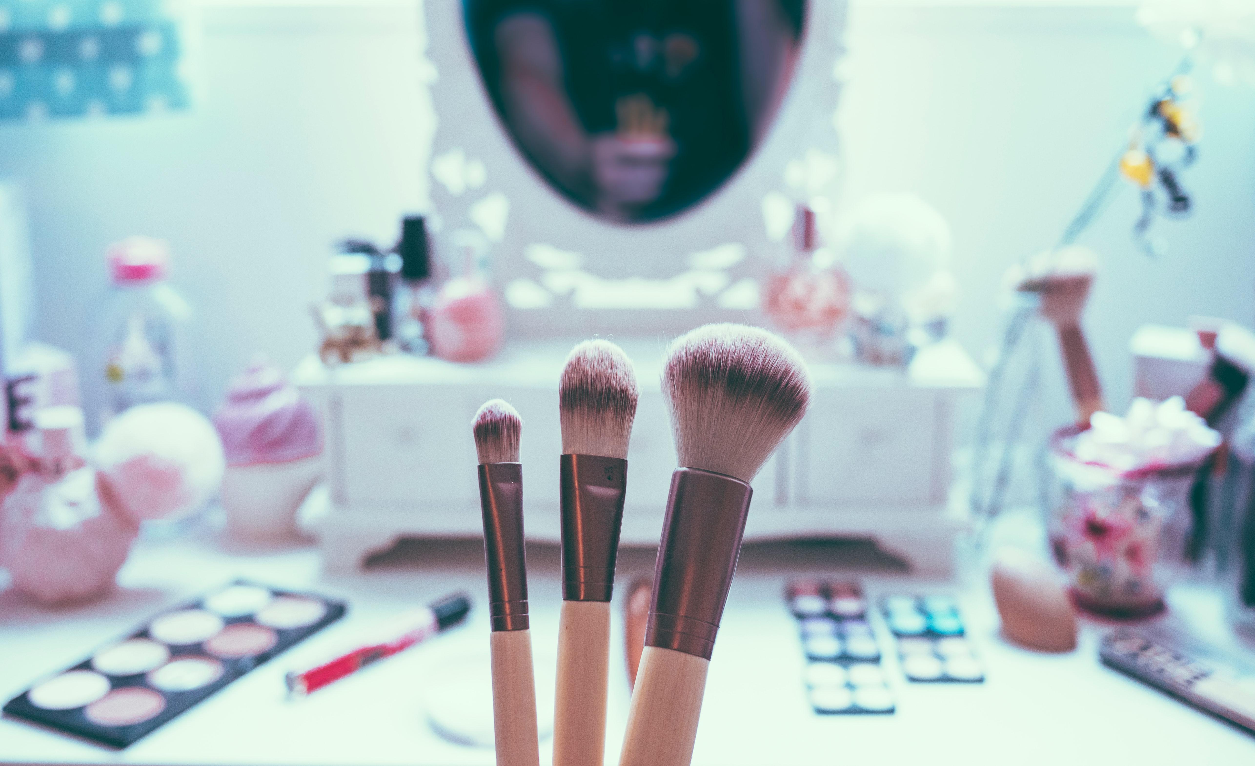 makeup organizer set