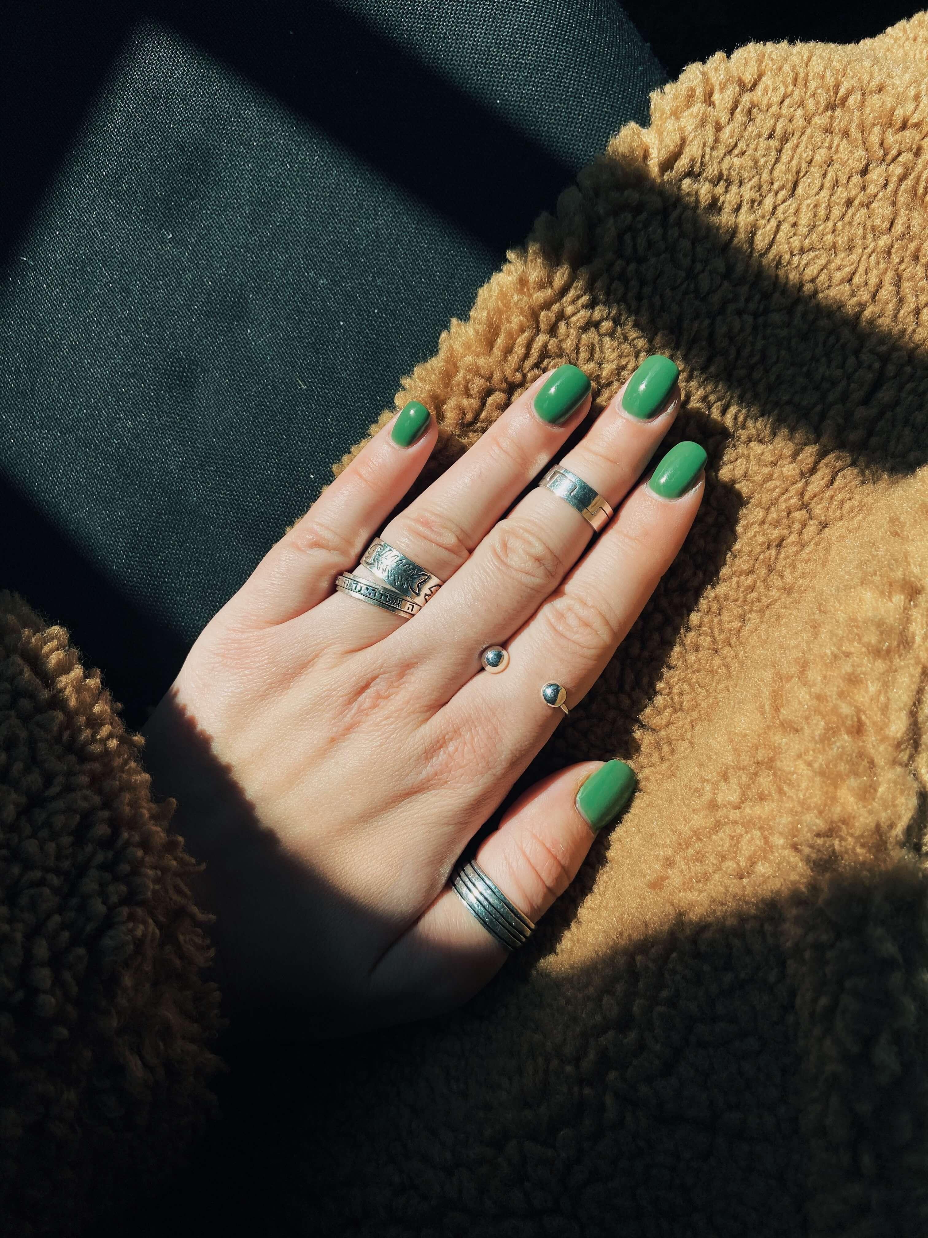 Best toe nail polish color
