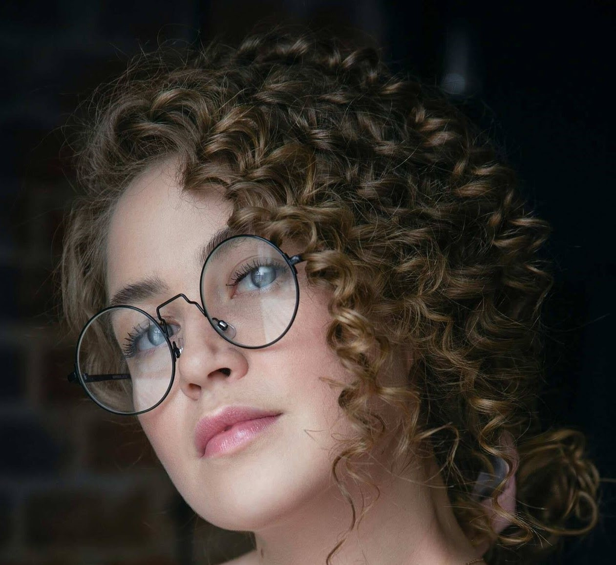 haircuts for thin curly frizzy hair
